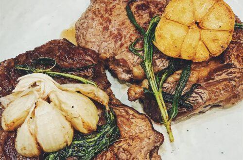 Perfekt stegt bøf med gourmetsaltning.